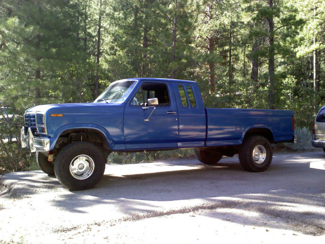 Lifted 85 Ford F150