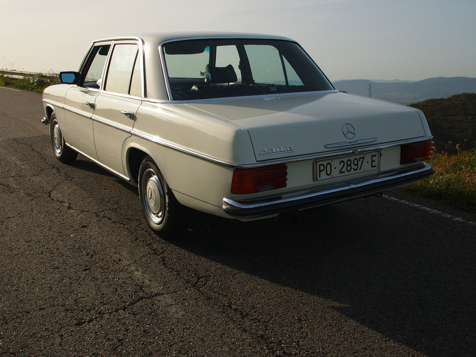 Mercedes benz w114 230 6 1975 for sale in oviedo spain for Mercedes benz 230 for sale