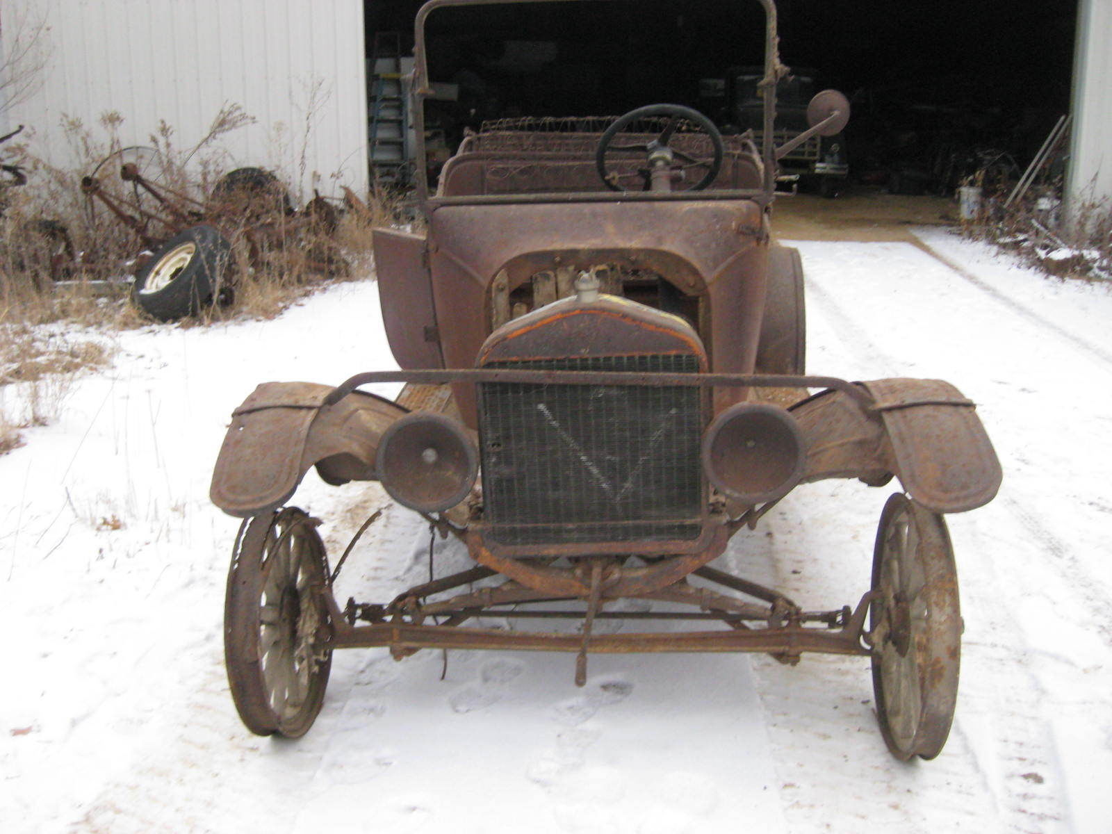 model t project, fresh title,#\'s correct. wood plans, motor turns ...