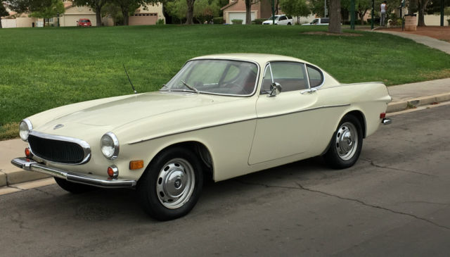 NO RESERVE 1968 VOLVO P1800 S RUNS AND DRIVES GREAT 4 SPEED NO RUST