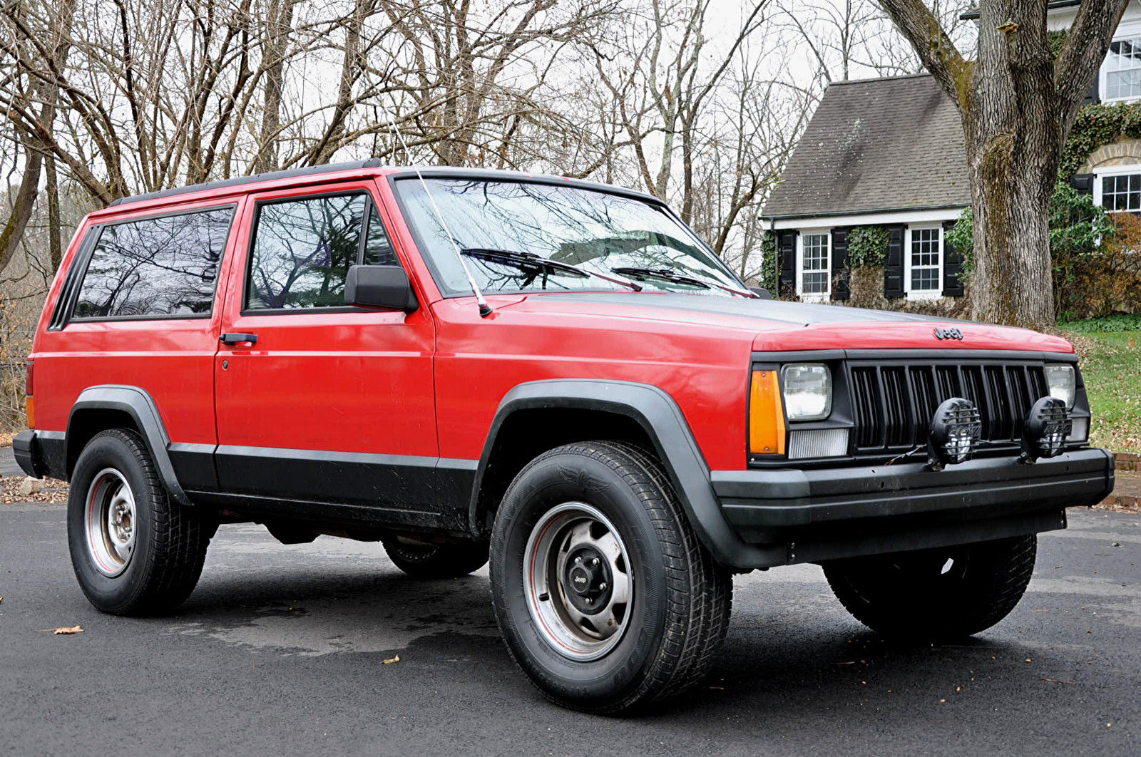 no reserve 1993 jeep cherokee sport utility 2 door 4 0l 6 cyl 2wd zombie wagon. Black Bedroom Furniture Sets. Home Design Ideas