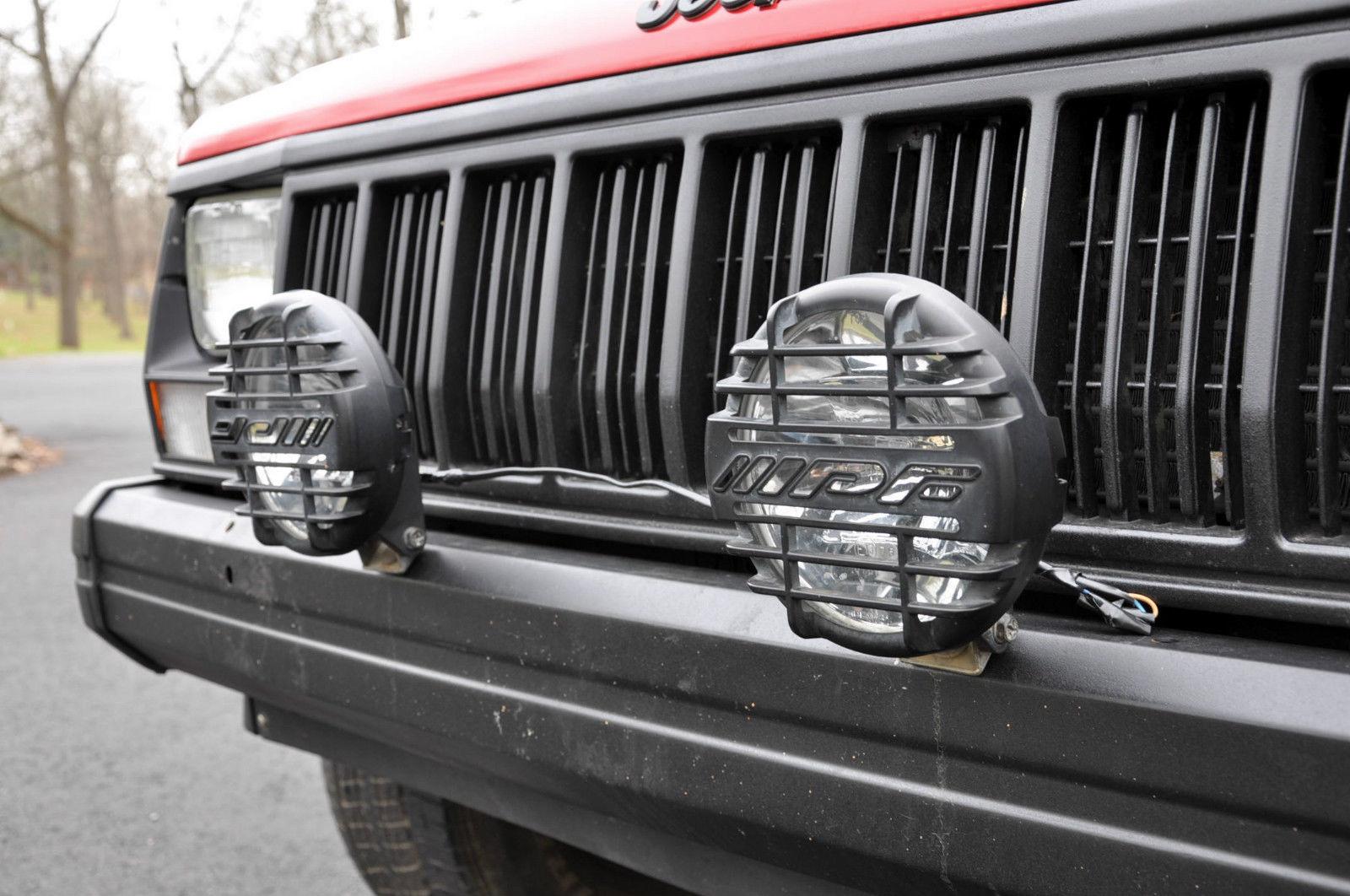 No Reserve 1993 Jeep Cherokee Sport Utility 2