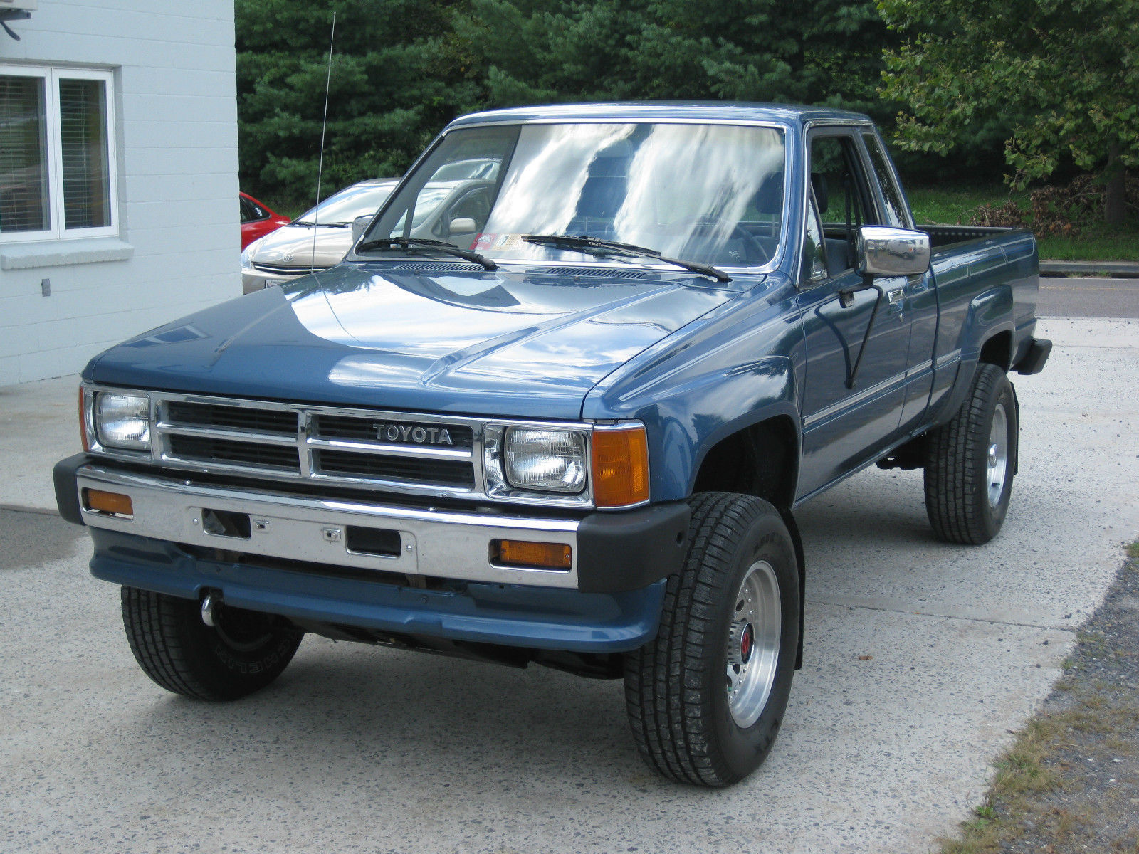 rare blue 1988 toyota pickup extra cab auto 4wd very clean. Black Bedroom Furniture Sets. Home Design Ideas