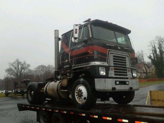 Single Truck Tractors : Transtar cabover sleeper single axle truck tractor