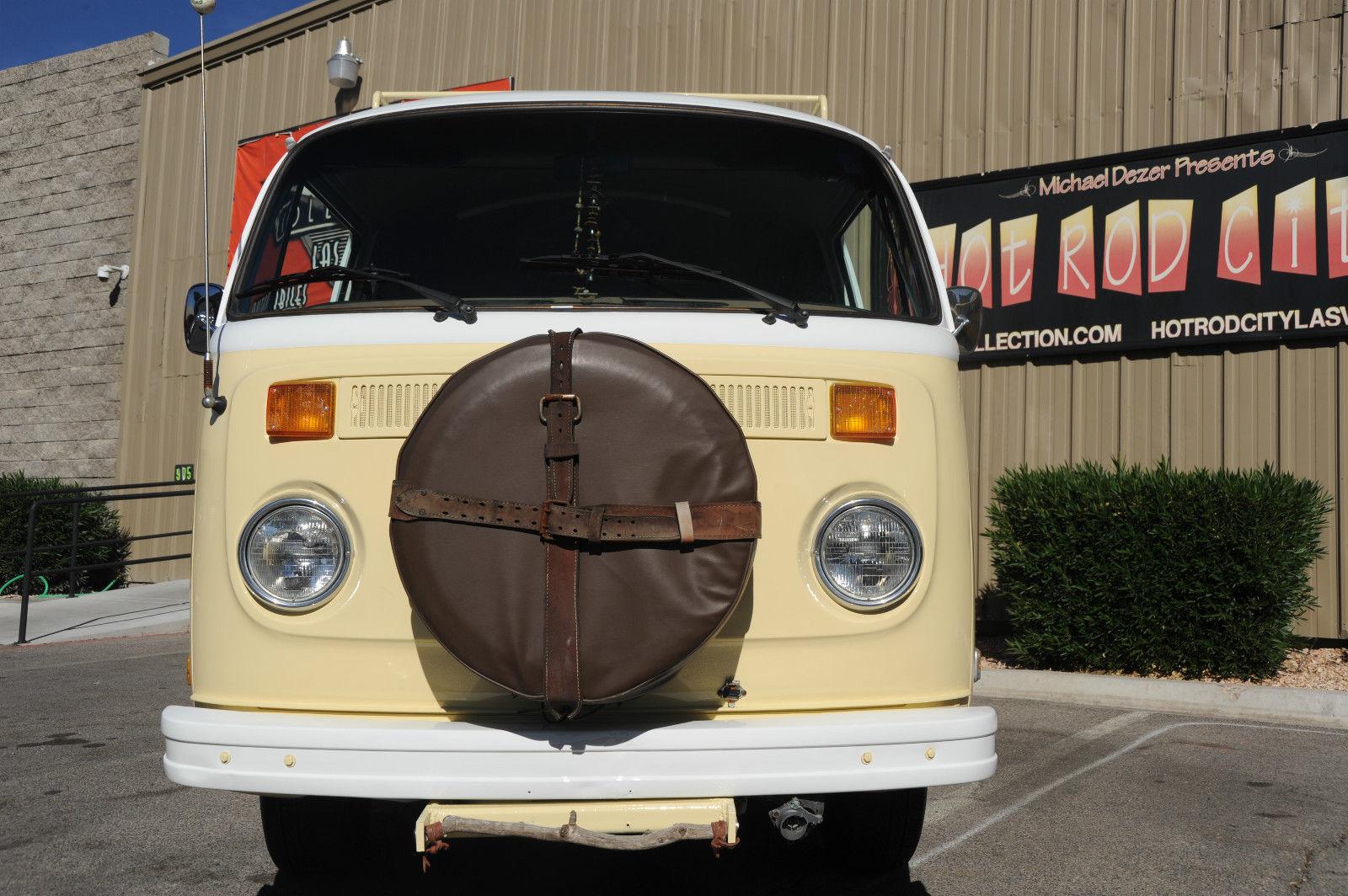 Wow 1974 Vw Kombi Hippie Bus New Paint Nice Interior Runs Great Roof Rack